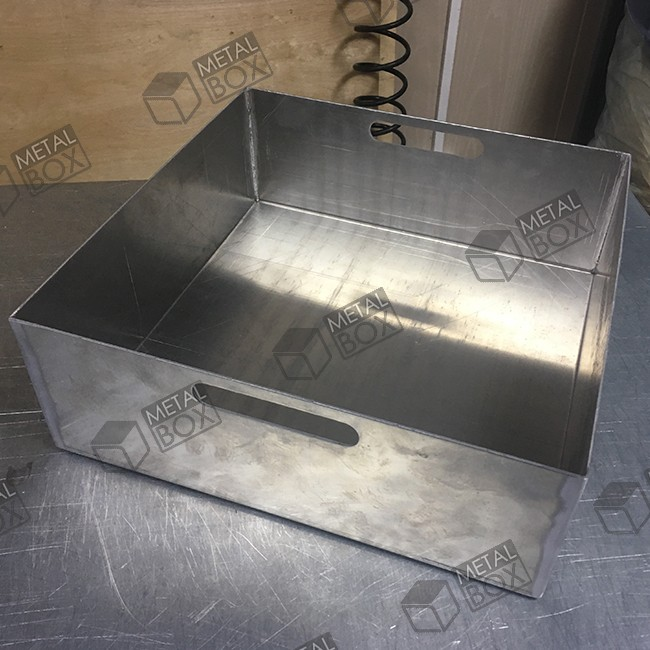 https://bv-case.ru/images/upload/поддон-алюминиевый-350х350х125-для-сбора-проливов.JPG