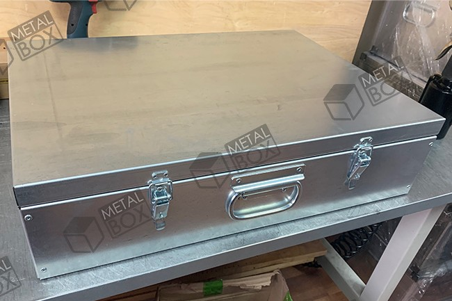 https://bv-case.ru/images/upload/ящики-оцинкованные-600х420х150-для-хранения-электроинструмента.JPG